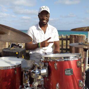 Drum lessons best drum lessons online drum lessons private face-to-face drum lessons study drums clases de bateria presenciales clases de bateria online profesor de batería y percusión Berklee Student